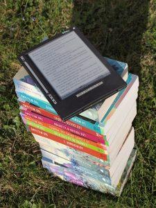 Pila de libros. Autor: janeb13
